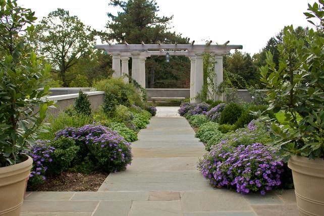 Greenwood Gardens : Garden Directory : The Garden Conservancy