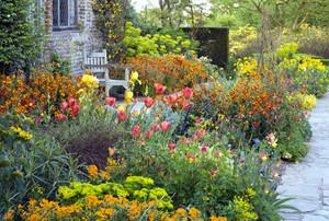 Sissinghurst: Portrait of a Garden