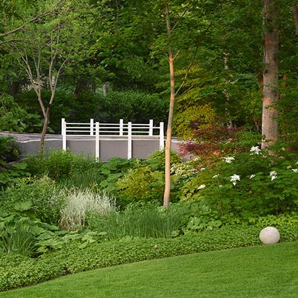 Nantucket Garden 777 Bryant Avenue, Winnetka