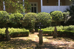 Col. William Rhett House and Grounds