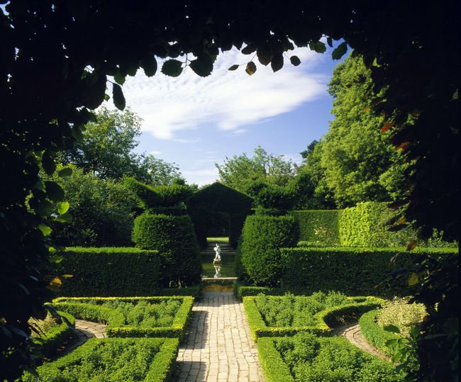 A Sense of Harmony: Gardens of the Arts & Crafts Movement