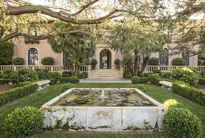 Garden Masters: The Art of Outdoor Living